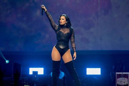 Demi Lovato @ First Niagara Center, Buffalo, NY 7-17-16