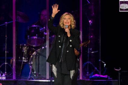 Olivia Newton-John @ Seneca Niagara Casino Niagara Falls, NY 7-23-16